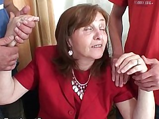 Granny Mammy Mature Office Threesome