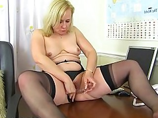 Blonde Dildo Mammy Mature MILF Shaved