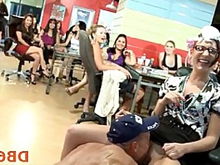 Blowjob Crazy Dancing Orgy Party